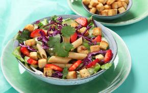 Salad of peas and shrimp